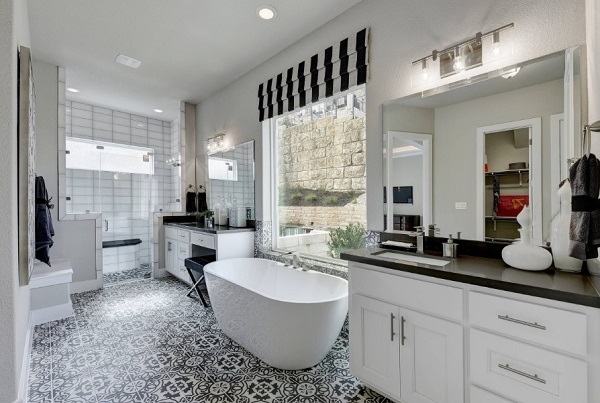 Black contrasts white bathroom design